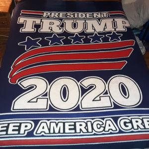Trump 2020 KAG Throw Blanket (6' X 7')